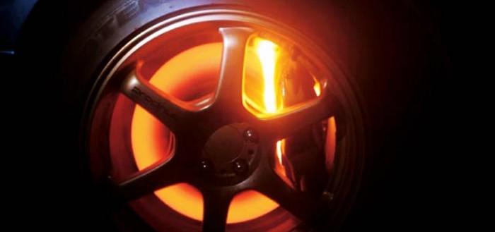 Почему греются тормозные диски