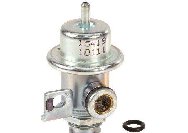 Фото регулятора давления топлива /